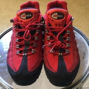 Nike Air Max Essential size 13